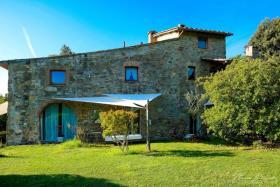 Image No.1-Ferme de 5 chambres à vendre à Volterra