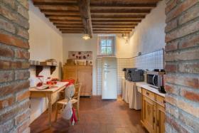 Image No.10-Ferme de 11 chambres à vendre à Pomarance