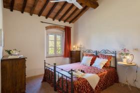 Image No.13-Ferme de 11 chambres à vendre à Pomarance