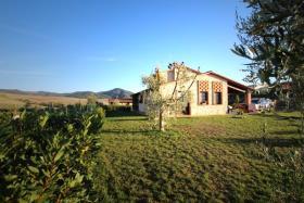 Image No.1-Chalet de 3 chambres à vendre à Volterra