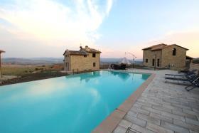 Image No.2-Maison de 3 chambres à vendre à Volterra