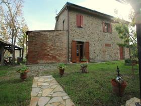 Image No.13-3 Bed Farmhouse for sale