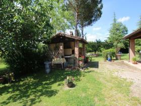 Image No.1-Ferme de 5 chambres à vendre à Chianni