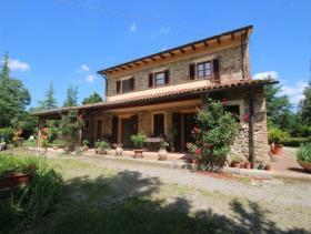 Chianni, Farmhouse