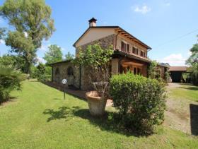 Image No.4-Ferme de 5 chambres à vendre à Chianni