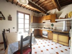 Image No.5-Ferme de 5 chambres à vendre à Chianni
