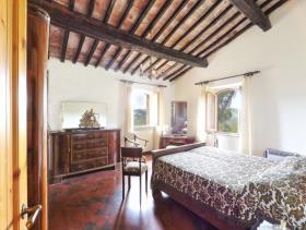 Image No.4-Ferme de 6 chambres à vendre à Pomarance