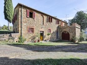 Image No.3-Ferme de 6 chambres à vendre à Pomarance