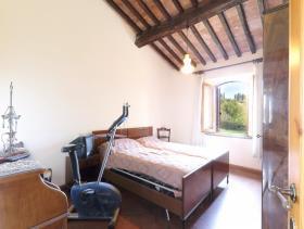 Image No.7-Ferme de 6 chambres à vendre à Pomarance