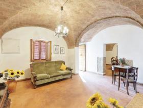 Image No.10-Ferme de 6 chambres à vendre à Pomarance