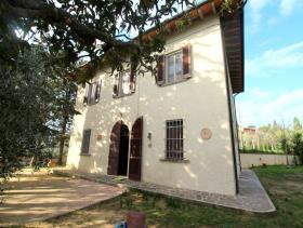 Palaia, Country House
