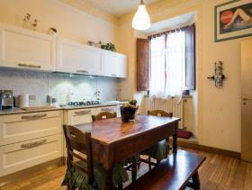 Image No.8-Appartement de 3 chambres à vendre à Volterra
