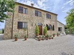 Image No.7-4 Bed Farmhouse for sale