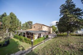 Image No.2-Ferme de 6 chambres à vendre à Volterra