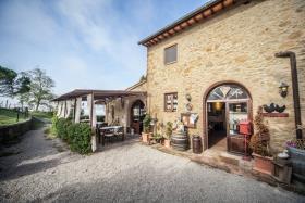 Image No.1-Ferme de 6 chambres à vendre à Volterra