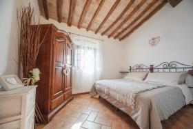 Image No.8-Ferme de 6 chambres à vendre à Volterra