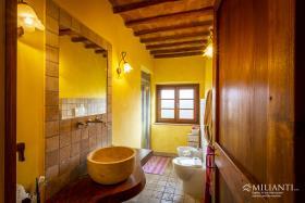 Image No.10-Appartement de 2 chambres à vendre à Lajatico