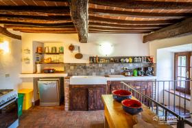 Image No.18-12 Bed Farmhouse for sale