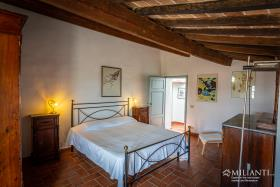 Image No.21-12 Bed Farmhouse for sale