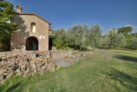 Image No.3-4 Bed Farmhouse for sale