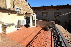 Image No.1-Appartement de 2 chambres à vendre à Volterra