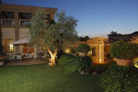 Image No.0-6 Bed Hotel for sale