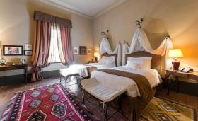 Image No.6-6 Bed Hotel for sale