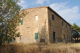 Image No.2-7 Bed Farmhouse for sale