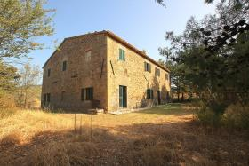 Image No.1-7 Bed Farmhouse for sale
