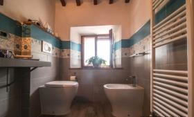 Image No.14-Maison de campagne de 4 chambres à vendre à Montecatini Val di Cecina
