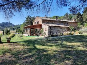 Image No.7-Maison de campagne de 4 chambres à vendre à Montecatini Val di Cecina