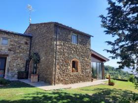 Image No.3-Maison de campagne de 4 chambres à vendre à Montecatini Val di Cecina