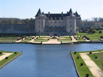 SAINT-PORCHAIRE - Chateau de La Roche Courbon © CMT17 S. MORAND