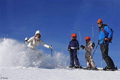 ski_famille-p-700x467