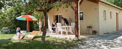 1511424187-village-les-cigales-VDC-Cigales-3