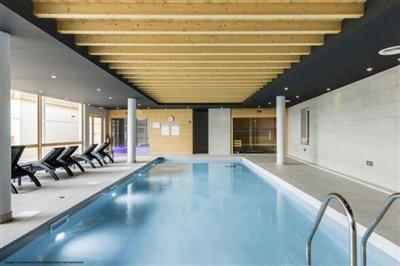 swimming-pool-indoor