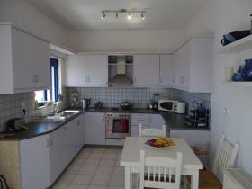 Image No.5-Villa / Détaché de 4 chambres à vendre à Kefalas