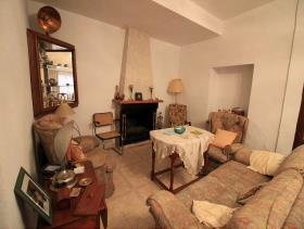 Image No.4-8 Bed Townhouse for sale