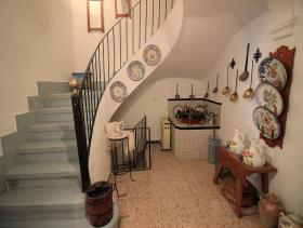 Image No.8-8 Bed Townhouse for sale