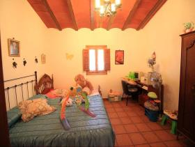 Image No.23-5 Bed Country House for sale