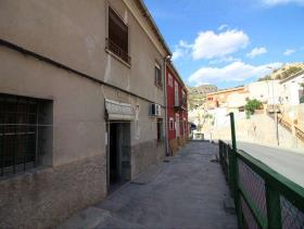 Image No.27-6 Bed Townhouse for sale