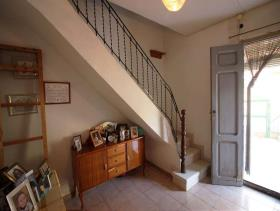 Image No.21-6 Bed Townhouse for sale