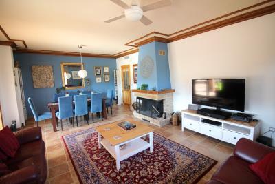 1006-Main-house-living-room--pic2-