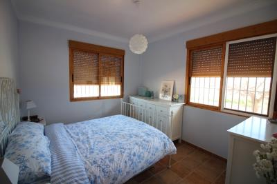 1010-Main-bedroom-with-ensuite