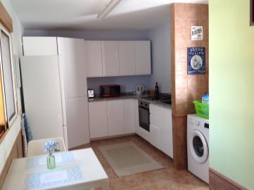 1022--Apartment--kitchen-dining-area