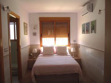 1035-bedroom-bungalow
