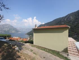 Image No.6-Maison de 4 chambres à vendre à Kotor