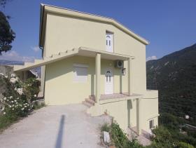 Image No.8-Maison de 4 chambres à vendre à Kotor