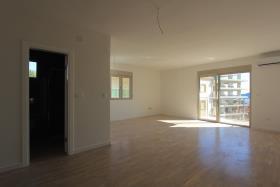 Image No.2-Appartement de 2 chambres à vendre à Becici