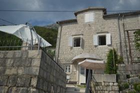 Image No.1-Maison / Villa de 3 chambres à vendre à Kotor